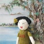 Petra Oellingers Lesedauemlinge und Fingerpuppen: Chinesische Dame mit gruenem  Kleid.